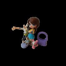 Kislány figura állatkával, táskával - Littlest Pet Shop