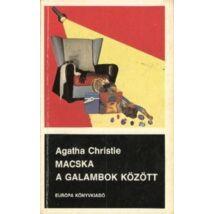 Agatha Christie: Macska a galambok között (Hercule Poirot 32.)