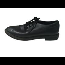 37-es fekete fiú alkalmi cipő - Zara