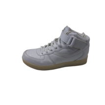 37-es fehér magasszárú cipő