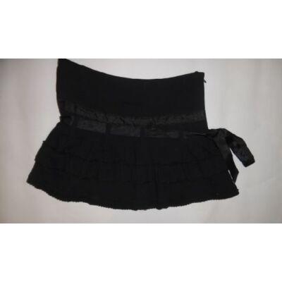 158-164-es fekete fodros szoknya