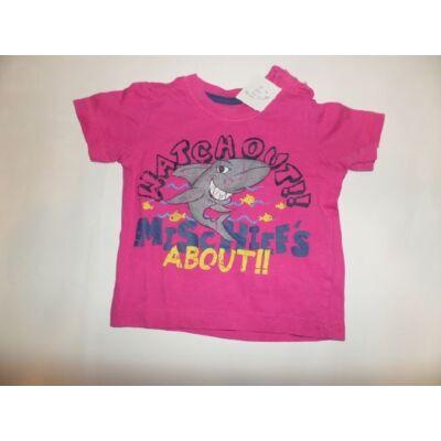 74-es rózsaszín cápás póló