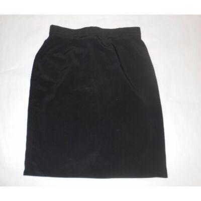 152-es fekete ünneplő szoknya