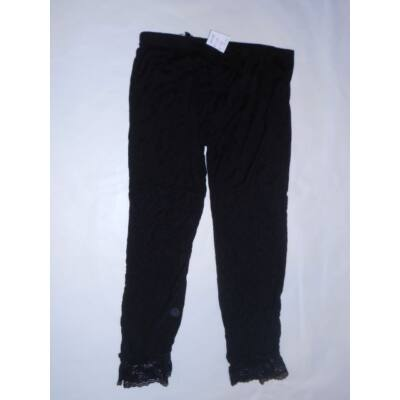152-es fekete csipkés aljú leggings