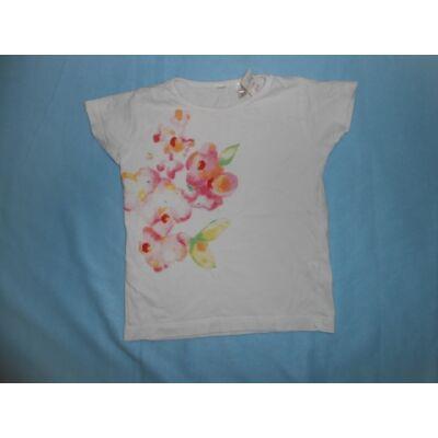 104-es fehér virágos póló