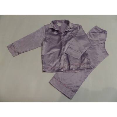 104-110-es lila szatén pizsama