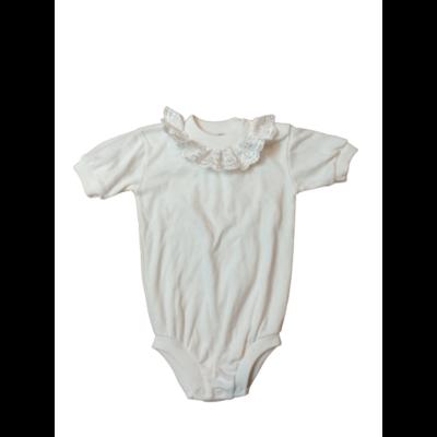 98-as fehér rövidujjú csipkés gallérú body