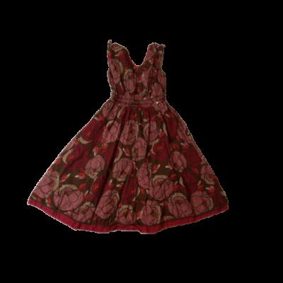 122-es barna virágos ujjatlan ruha