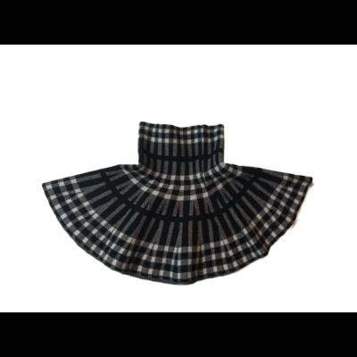 92-98-as fekete-fehér kockás kötött szoknya