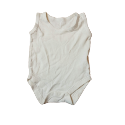 62-es fehér ujjatlan body - Mothercare