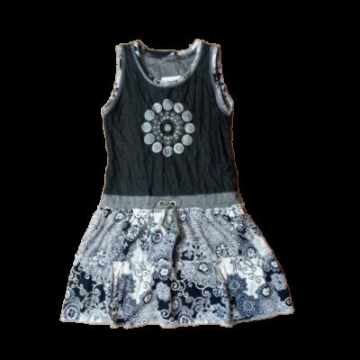 116-os fekete-fehér mintás ujjatlan ruha - ÚJ