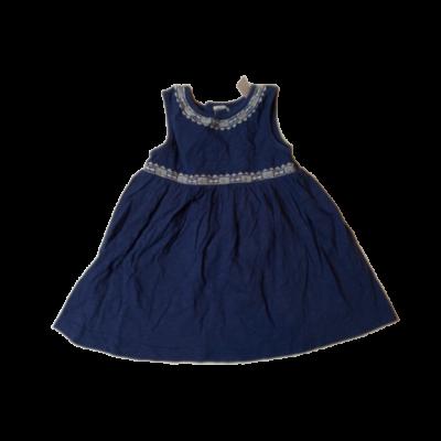 86-os kék alapon fehér hímzéses ujjatlan ruha