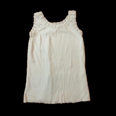 140-es fehér csipkés szegélyű ujjatlan póló - Good Look