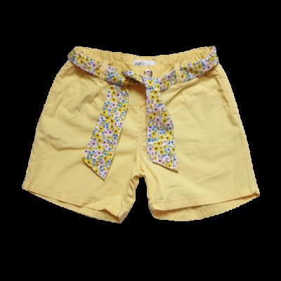 128-as sárga rövidnadrág, övvel - C&A