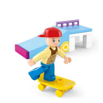 Deszkás, gördeszkás fiú - 23 db-os építőjáték - ÚJ