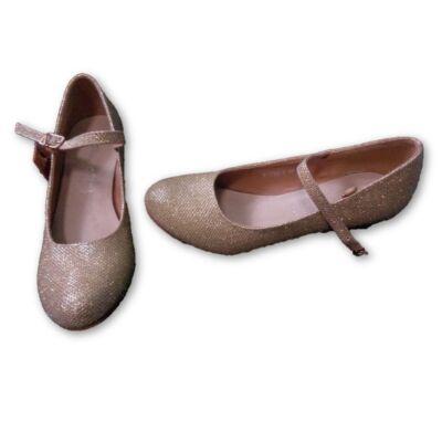 34-es arany csillogó alkalmi cipő