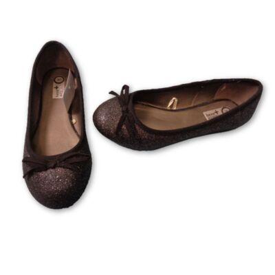30-as fekete csillogó alkalmi cipő - C&A