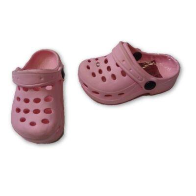 22-es rózsaszín habpapucs, gumiklumpa