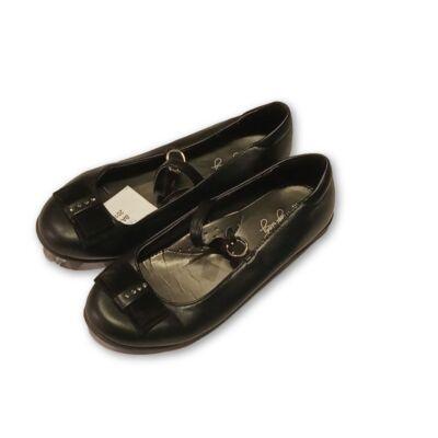 33-as fekete pántos alkalmi cipő
