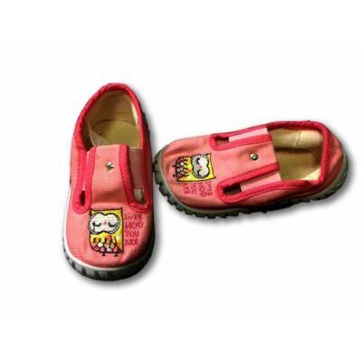 23-as rózsaszín vászoncipő