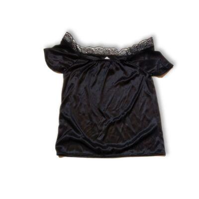 110-es fekete csipkés blúz