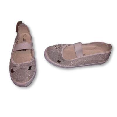 31-es ezüst vászoncipő
