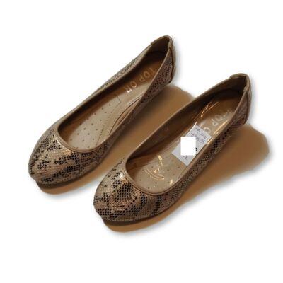 37-es kígyóbőrmintás telitalpú cipő