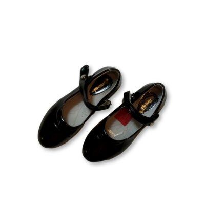 35-ös fekete pántos lakk alkalmi cipő