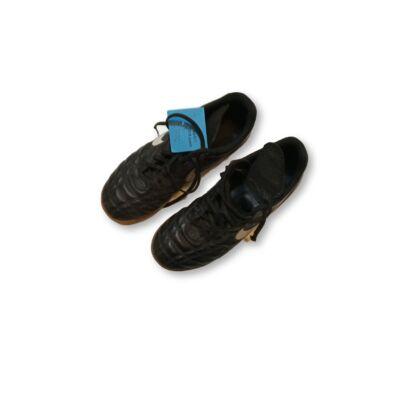 37-es fekete teremcipő, focicipő - Nike