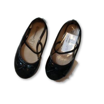27-es fekete balerina cipő