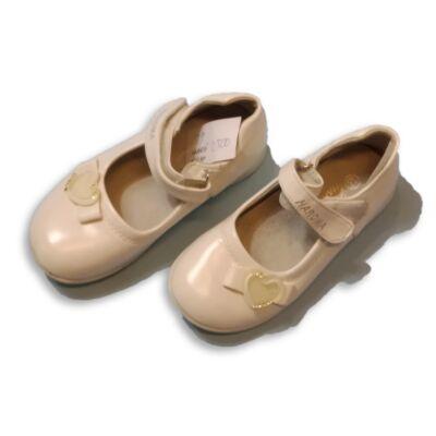 29-es fehér szivecskés pántos cipő