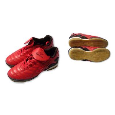 40-es piros teremcipő, focicipő - Lancast - ÚJ