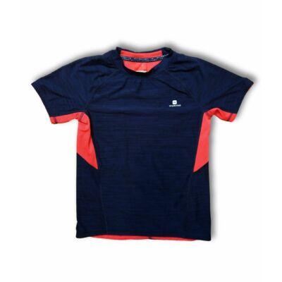128-134-es kék-piros sportpóló - Decathlon