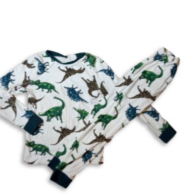 128-as fehér dínós pizsama