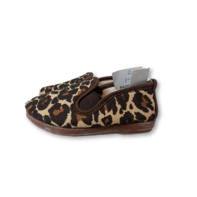 20-as párducmintás bebújós benti cipő, mamusz