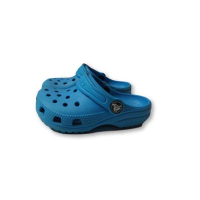 26-27-es (C8) kék habpapucs, gumiklumpa - Crocs