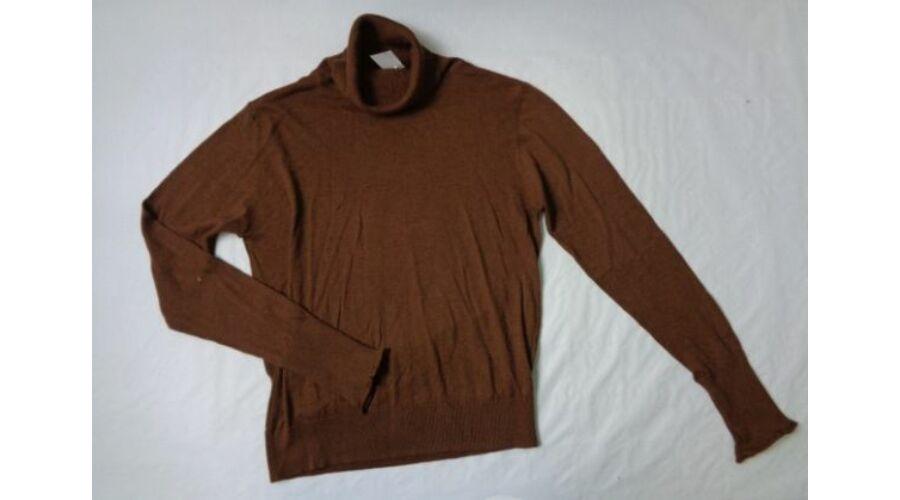 Női M-es barna garbónyakú vékony kötött pulcsi - Zara Katt rá a  felnagyításhoz 772b2a3ce4