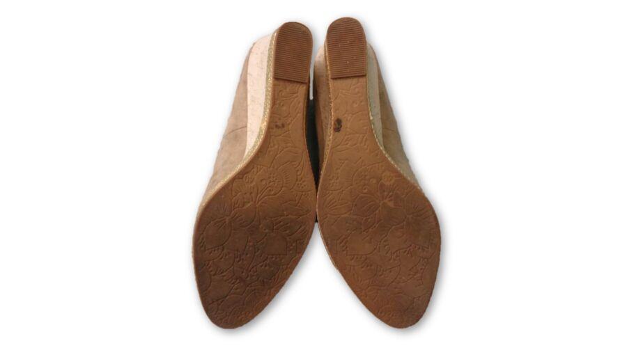 Női 40-es drapp éktalpú cipő - Graeland - felicity.hu használt ruha ... 3c94cf59b3